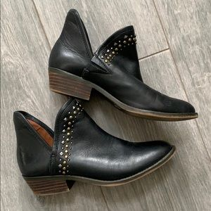 Sz 7.5 Lucky Brand leather booties